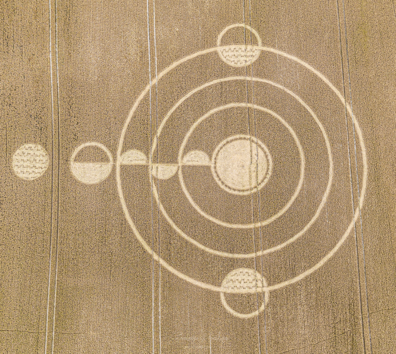cropcircles2020stonehenge.jpg
